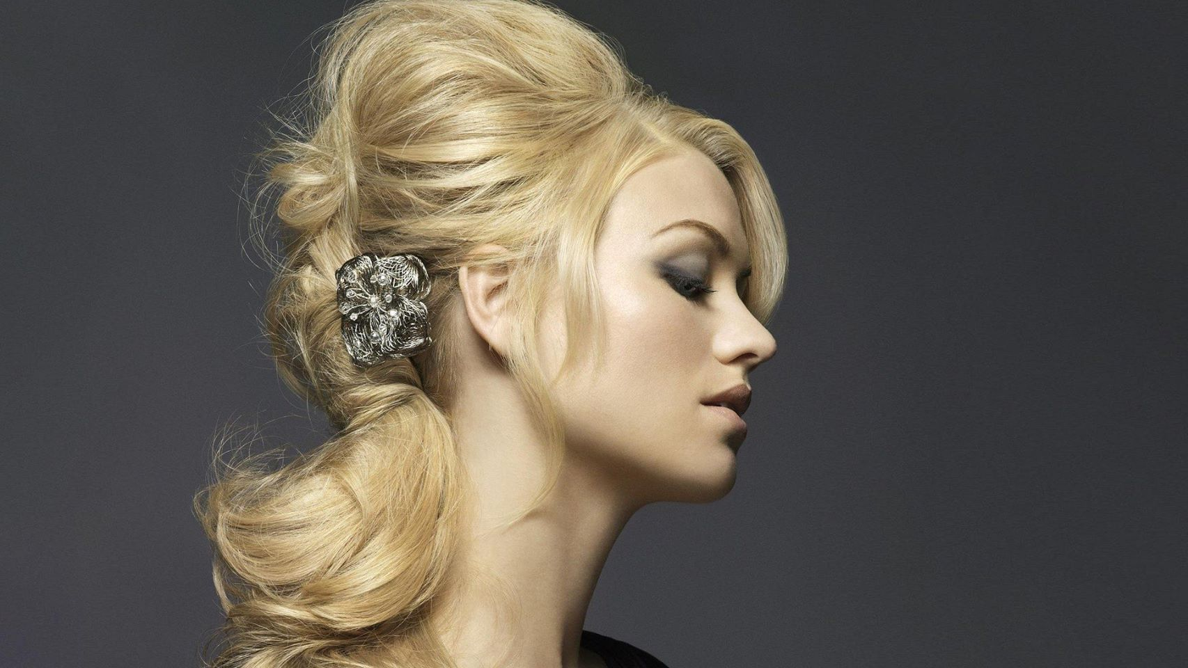 Maidenhead Mobile Hairdresser Cover Image on XploreCyprus